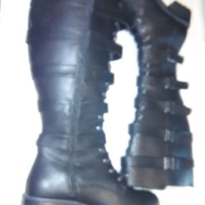 Torrid Womens Boots Size 9.5W
